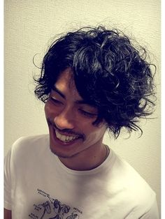 男らしい髪型,ワイルドな髪型,ベリーショート,ショート,パーマ,ツーブロック,画像