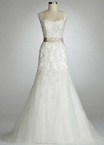 I lovvvveee this dress, I have looked at it several times now! wedding-3