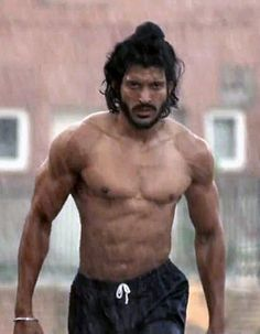 Bhaag Milkha Bhaag's official trailer to be launched by Milkha Singh!
