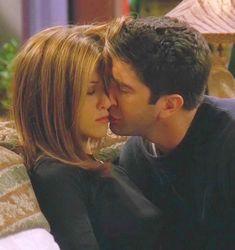 Rachel and Ross - Serie Friends, Friends Episodes, Friends Cast, Friends Moments, Friends Season, Friends Show, Friends In Love, Friends Ross And Rachel, Ross Geller