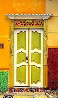 Door | ドア | Porte | Porta | Puerta | дверь | Sertã | Jericó, Antioquia, Colombia