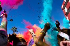 I have to make this color run this year, that's awesome!   http://thecolorrun.com/about/