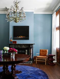 Eclectic living room by Arent & Pyke. #interiors #interiordesign #interiordesignideas #homedecor #decor #renovation #interiordesigner #livingroom #livingroomideas #livingroomdecor
