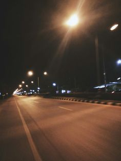 Roads Night Aesthetic, City Aesthetic, Aesthetic Images, Aesthetic Wallpapers, Tumblr Photography, Night Photography, Night Vibes, Blur Photo, Night Pictures