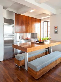 The kitchen design experts at HGTV.com share 20+ tips for turning a small kitchen into an eat-in kitchen.
