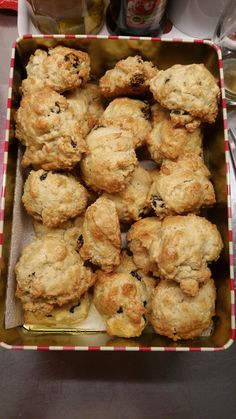 The best scone recipe out there with sour cream, you can add anything from .chocolate to berries & they turn out amazing! Brunch Recipes, Breakfast Recipes, Dessert Recipes, Party Recipes, Croissants, Sour Cream Scones, Best Scone Recipe, Baking Scones, Drop Scones