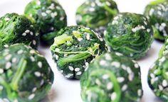 Cette recette, ludique et légère, a toute mon attention, en s'inspirant de la cuisine japonaise : les Bouchées d'épinards. Contrairement à la légende, les épinards ne sont pas l'a…