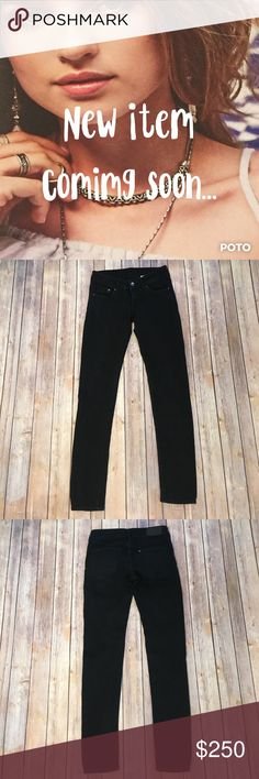 """🆕H&M Black Jean Leggings Gently worn, H&M, black, Jean legging. Size 26. Low rise and super skinny with stretch. The perfect basic to add to your wardrobe. Approx. measurements waist 13.5"""", hips 15.5"""", rise 7"""", inseam 28.5"""". Please use the offer button for all offers and bundle for a bigger discount. Thanks 💋 443 H&M Jeans Skinny"""