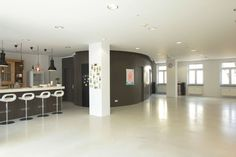 Over 130m² for your next event. An inspiring space to host workshops, meetings and intimate events.