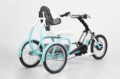 the CERO e-tricycle from tamás túri and lili pázmány is specially designed for adults with stability issues and variable energy levels. Tricycle Bike, Adult Tricycle, Trike Bicycle, Electric Cargo Bike, Electric Tricycle, Three Wheel Bicycle, Velo Design, Velo Cargo, Muscle Training