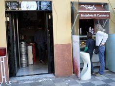 @MonetCuenca #terraza tienen de todo: #Gintonic #helado #artesano #italiano #chocolate #iceteas #zumos #cafés #batidos #copas #batidos #cockatils #muychula