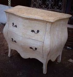 I love this type of dresser.
