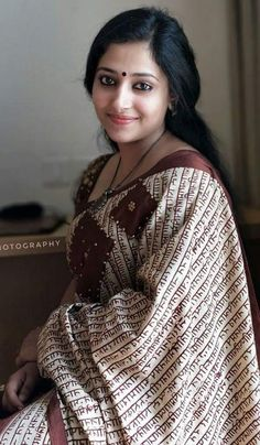 Indian Actress Pics, South Indian Actress, Indian Actresses, Beautiful Bollywood Actress, Most Beautiful Indian Actress, Beautiful Actresses, Beautiful Girl Image, Beautiful Models, Gold App
