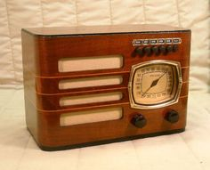 Old Antique Wood Philco Vintage Tube Radio - Restored Working Art Deco Table Top. eBay auction ends tonight at 10:30 PM eastern!