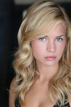 Cassie Blake (Britt Robertson) on the Secret Circle