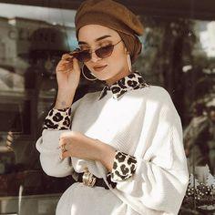 Hijab styles 805792558306365842 - Image may contain: 2 people Source by Stylish Hijab, Casual Hijab Outfit, Hijab Chic, Turban Hijab, Hijab Dress, Muslim Fashion, Modest Fashion, Fashion Outfits, Hijab Mode