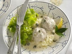 Klopse nach Thüringer Art ist ein Rezept mit frischen Zutaten aus der Kategorie Fleisch. Probieren Sie dieses und weitere Rezepte von EAT SMARTER!