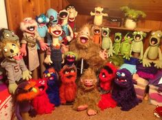 The growing cast! Puppet Theatre, Theater, Types Of Puppets, Sesame Streets, Puppet Making, Creepy Things, Scene Photo, Masks, It Cast