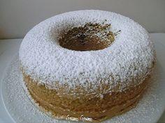 Ciambellone (Bundt Cake) without butter & millk Sweet Recipes, Cake Recipes, Dessert Recipes, Cakes Without Butter, Sweet Light, Milk Cake, Italian Desserts, Fruit Snacks, Breakfast Cake