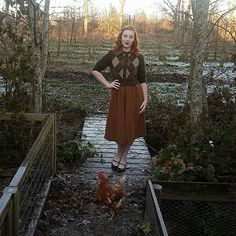 Truus the chicken, 1942 (also a low quality pic from the huh? Vintage Outfits, Vintage Fashion, Vintage Clothing, Vintage Style, Vintage Instagram, Full Look, Birds Eye View, Mid-century Modern, Autumn