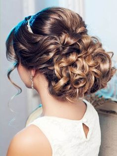 Image via We Heart It https://weheartit.com/entry/175089621 #beauty #classic #fashion #hair #Prom #style #updo