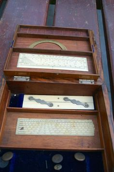 1000 images about boite de compas instruments scientifique boxed set of drawing instruments. Black Bedroom Furniture Sets. Home Design Ideas