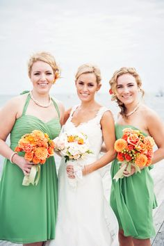 Continuing the beach wedding theme, I'd like to tell you about beach bridesmaids' dresses as we've already told you about beach bridal gowns. Traditionally, beach wedding are more relaxed than other celebrations. Orange Wedding, Fall Wedding, Wedding Colors, Wedding Styles, Wedding Flowers, Beach Bridesmaid Dresses, Wedding Dresses, Bridesmaids And Groomsmen, Orange Bridesmaids