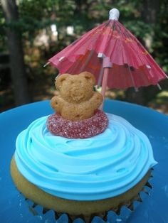pool party cupcakes.too cute.