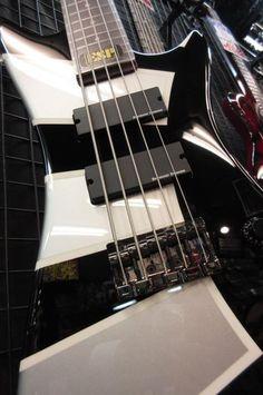 Dir En Grey Guitar Amp All About That Bass Visual Kei Guitars Musical Instruments Musicals Music