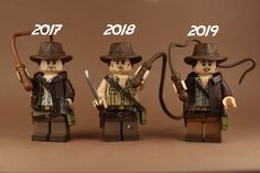 The one on the left is from Raiders of the Lost Ark, the one in the middle is from Temple of Doom, and the one on the right is from Last Crusade. Lego Indiana Jones, Dc Comics Heroes, Amazing Lego Creations, Lego System, Lego Military, All Lego, Lego Construction, Lego Star Wars, Star Trek