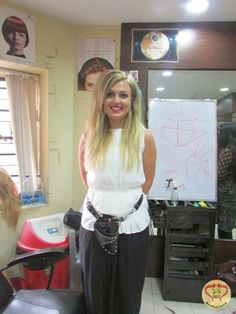 Glitz N Glamour (IHB ) Approved Hair and beauty academy, Glitz n Glamour is the one and only IHB approved academy in Kolkata and has started the new session in 2014 for which the the academy even organized a special training for their students. : http://fashion.sholoanabangaliana.in/international-beauty-and-hair-expert-emma-ekman-shares-precious-beauty-tips/