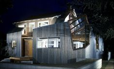 ➸ Frank Gehry's house (night view) just up the street from where I used to live in Santa Monica in the 1980s  ➸