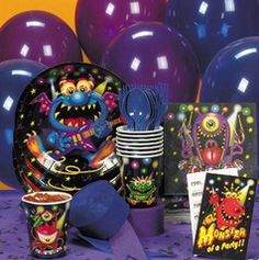 Monster Bash Tableware/Invites.  This party tableware set is perfect for any monster character themed party. Set contains 40 pieces.