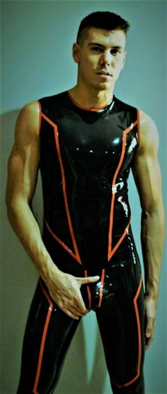 Latex Men, Sexy Latex, Motocross Outfits, Justin Bieber Outfits, Mode Latex, Gym Outfit Men, Tight Leather Pants, Comfy Pants, Fetish Fashion