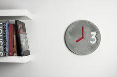CONCRETE CLOCK MULTIPLE COLORS by Jakub Velinsky made in Czech Republic op CrowdyHouse