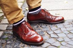 chestnut wingtip brown shiney leather shoes