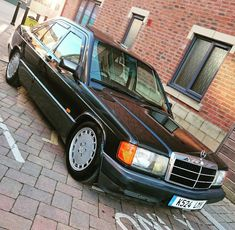 Mercedes Benz 190, Commercial Van, Classic Mercedes, Top Cars, Luxury Cars, German, Chips, Age, Friends