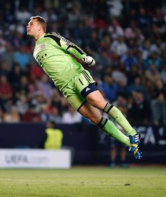 Manuel Neuer- i must go my people need me