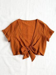 2530c7bf30971 Blusa con cuello abotonado Brown Blouses