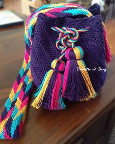 Crochet Designs, Knitting Designs, Crochet Patterns, Tapestry Bag, Tapestry Crochet, Crochet Stitches, Knit Crochet, Crochet Purses, Crochet Bags