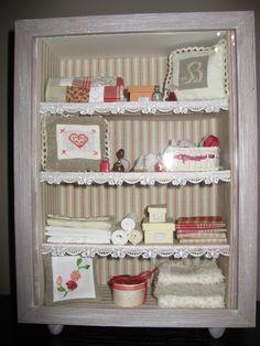 Miniature salon de brodeuse cadre vitrine pinterest - Vitrine salle de bain ...