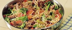 Ramen Stir-Fry: so easy and delicious. 4 packs of Ramen Noodles, 1 bag of frozen stir fry mix, 1 lb of chicken, tsp ground ginger and soy sauce (or hoisin! Stir Fry Recipes, Beef Recipes, Chicken Recipes, Cooking Recipes, Ramen Recipes, I Love Food, Good Food, Yummy Food, Tasty