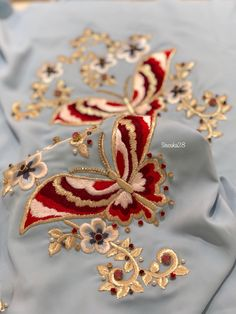 Embroidery Suits Punjabi, Hand Embroidery Dress, Embroidery Suits Design, Embroidery Fashion, Hand Embroidery Designs, Beaded Embroidery, Floral Embroidery, Embroidery Stitches, Embroidery Patterns