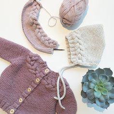 Noen blir flettefin@hoppestrikk #kransjakke#kranspixie #kranskyse#knittinginspiration#knitspiration#knitinspire#instaknitters#strikktilbarn#babystrikk#jentestrikk#barnestrikk#babyknits#knitforgirls#neatknitting#ministil#kids_knitting_inspiration#knitinspo123#norwegianmade#norwegianmadeknitting #knitting_inspiration#knitting#instaknit#knitstagram#knittersofinstagram#i_loveknitting#knittinglove#knitting_is_love#strikking