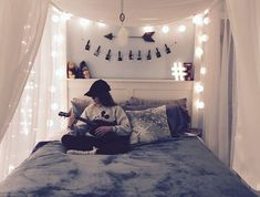 Teen bed room ideas teen girl bedroom makeover ideas room decor for teenagers cool bedroom decorations . Trendy Bedroom, Cozy Bedroom, Home Decor Bedroom, Decor Room, Design Bedroom, Bedroom Bed, Bedroom Inspo, Bed Room, Bedroom Romantic