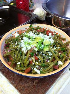 Nopales complemento de comida Mexicana.