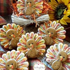 It's time to celebrate Thanksgiving with these cute and easy crafts for kids. Thanksgiving food crafts, Thanksgiving kid's crafts, Thanksgiving craft decorations and more! Fall Decorated Cookies, Fall Cookies, Iced Cookies, Cute Cookies, Royal Icing Cookies, Holiday Cookies, Cupcake Cookies, Cookies Et Biscuits, Sugar Cookies
