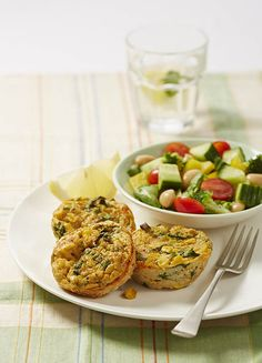 Healthy lunchbox ideas for kids Spinach and corn bakes Healthy Dessert Recipes, Snack Recipes, Healthy Meals, Baked Corn, Savory Muffins, Spinach, Veggies, Vegetarian, Yummy Food