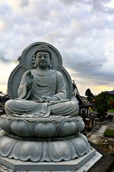 Buddha, by MeAmore5, via Flickr