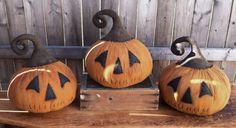 ePattern~Primitive Fall Halloween Grungy Pumpkin Jack JOL Sitter